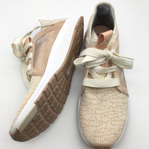 Adidas Edge Lux running shoes size 8.5 blush